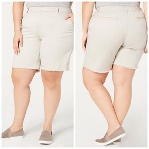 14W 20W Light Beige Released Hem Shorts Plus Size